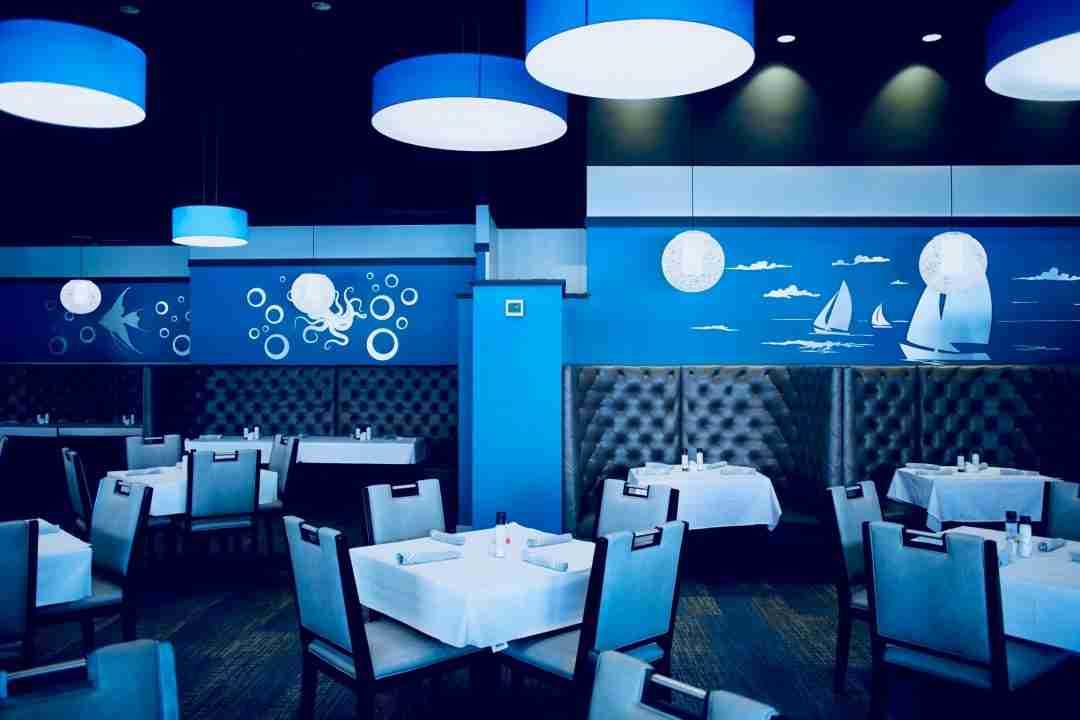 10/23 – Restaurant Booths